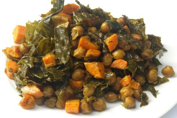 Gemüsecurry mit Zuckerkombu und Kichererbsen