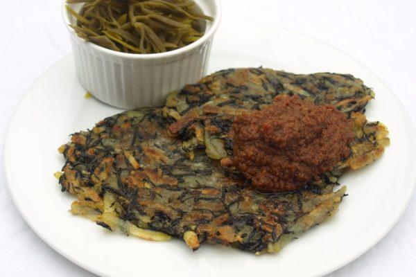 Kartoffel-Hijiki-Rösti mit Berglinsen-Dip