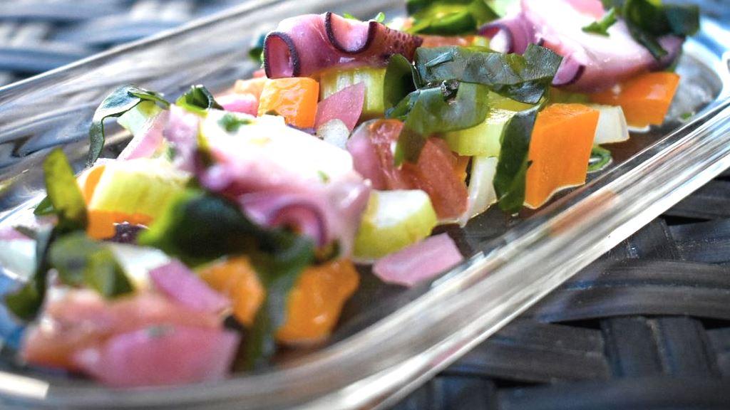 frischer Wakame-Pulpo-Salat
