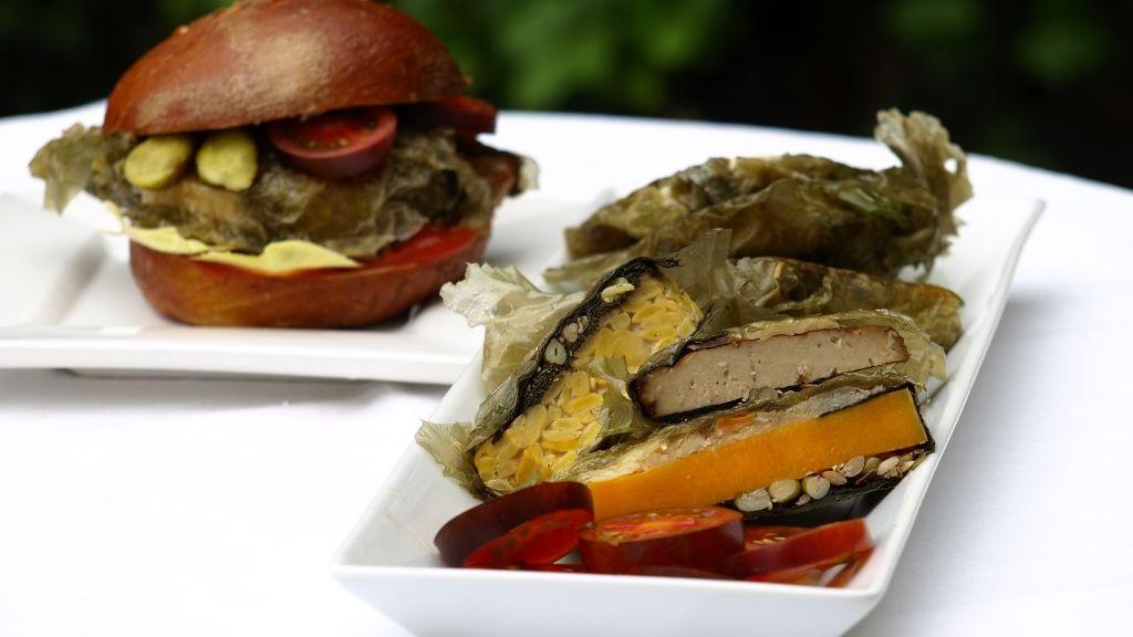 schnelle fleischlose Burgerpatties mit Meersalat